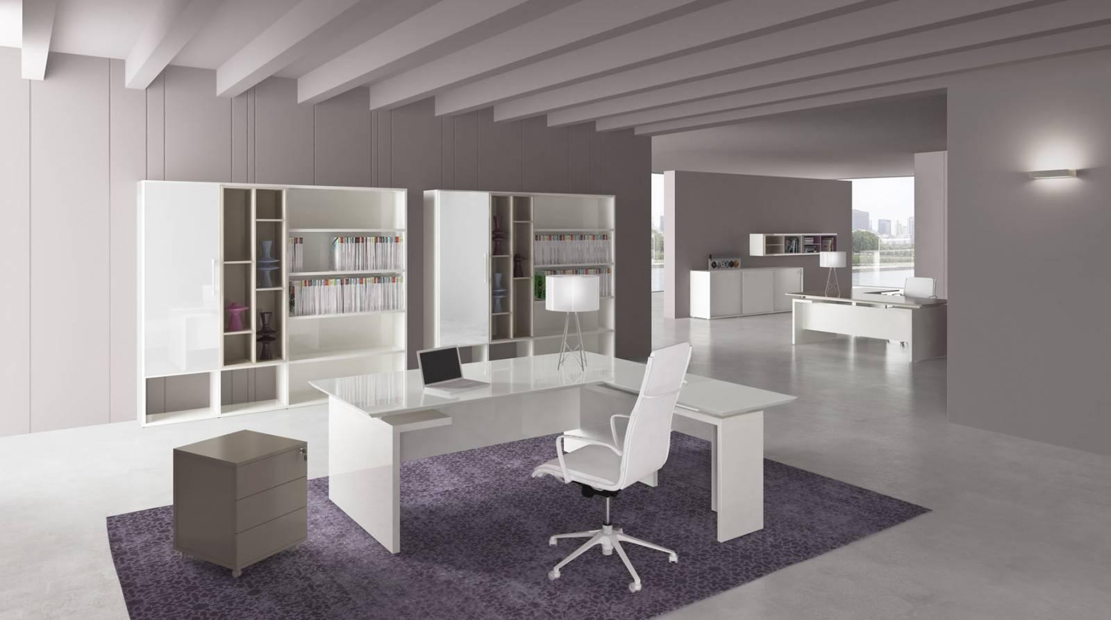 Aménagement d'un espace de travail avec du mobilier de direction haut de gamme sur Marignane.
