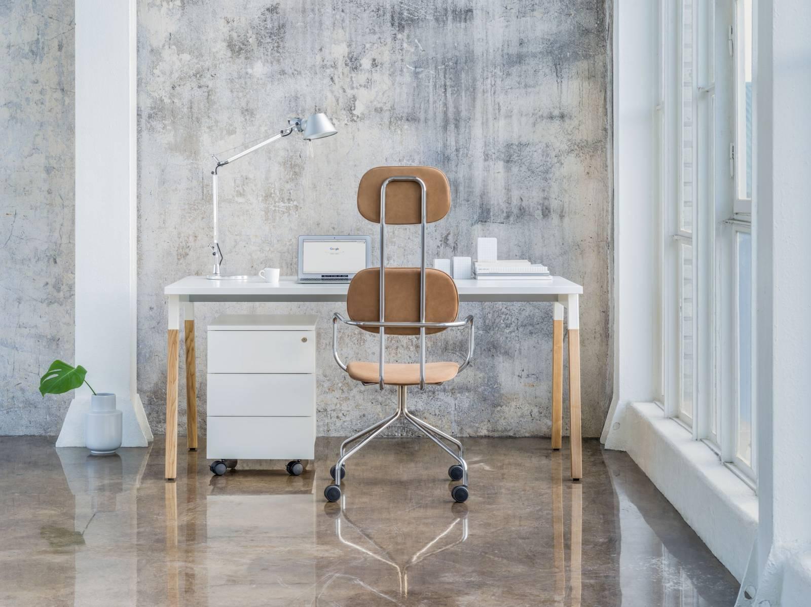 Bureau individuel pieds bois avec caisson et fauteuil NewSchool sur Marseille