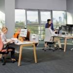 LEVITATE bureau individuel avec panneau de séparation
