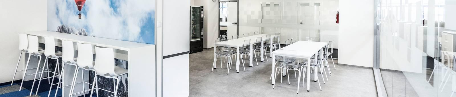 Espace repas et café dans Société, zone repas et zone café sur Marignane