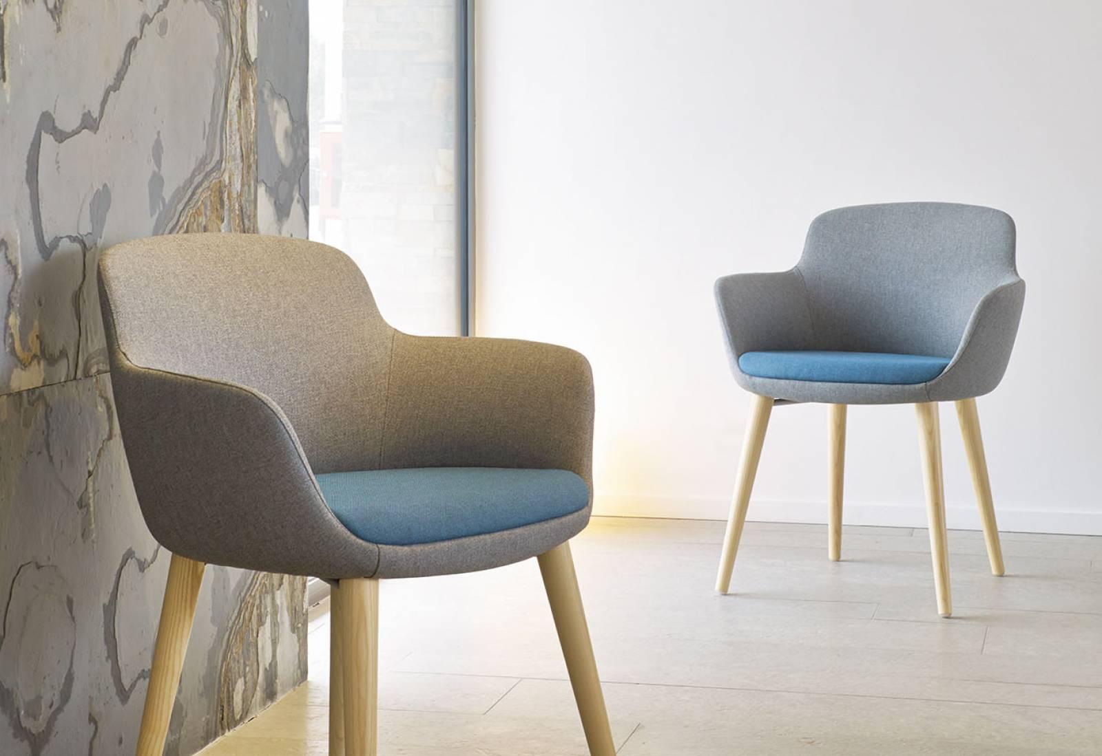 Alliance de couleur et matière pour le fauteuil ENEKA sur Toulon