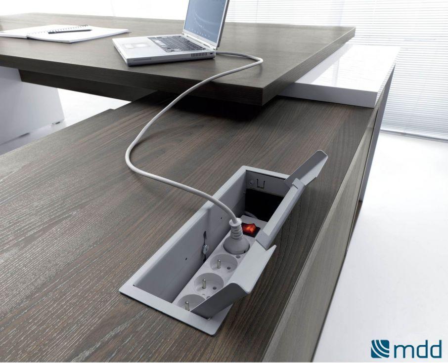 Bureau de direction avec top access avec mediabox intégré