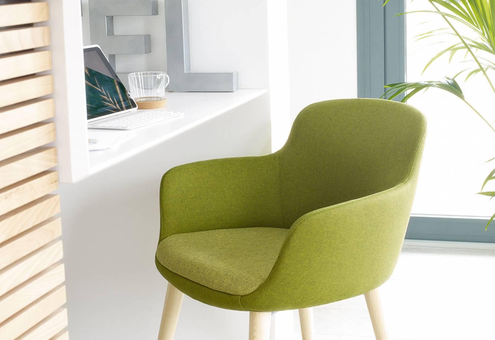 Camaieu de vert pour le fauteuil ENEKA sur AUbagne