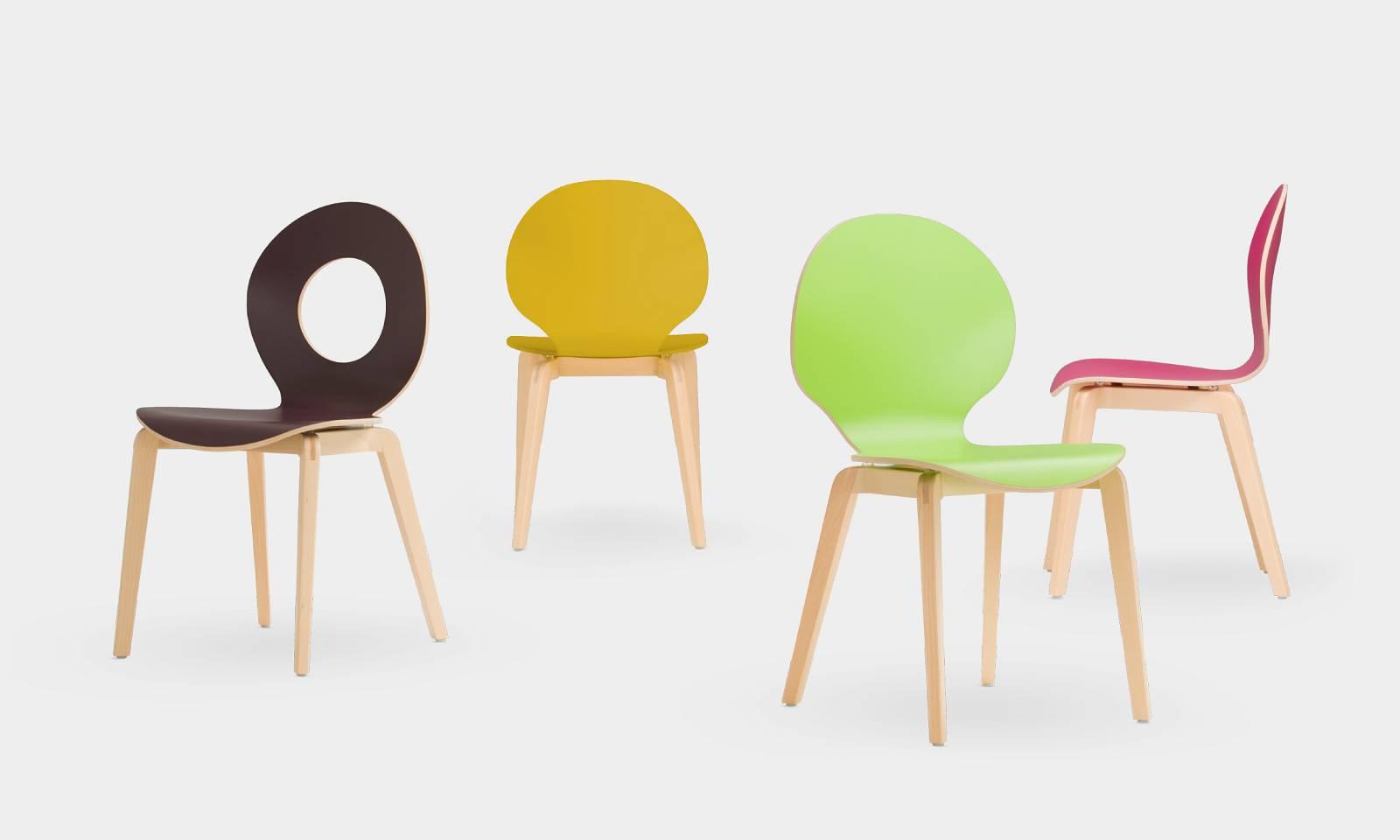 Chaises CAFE LGW pied bois massif et coques arrondies ajourées ou pleines sur Carnoux