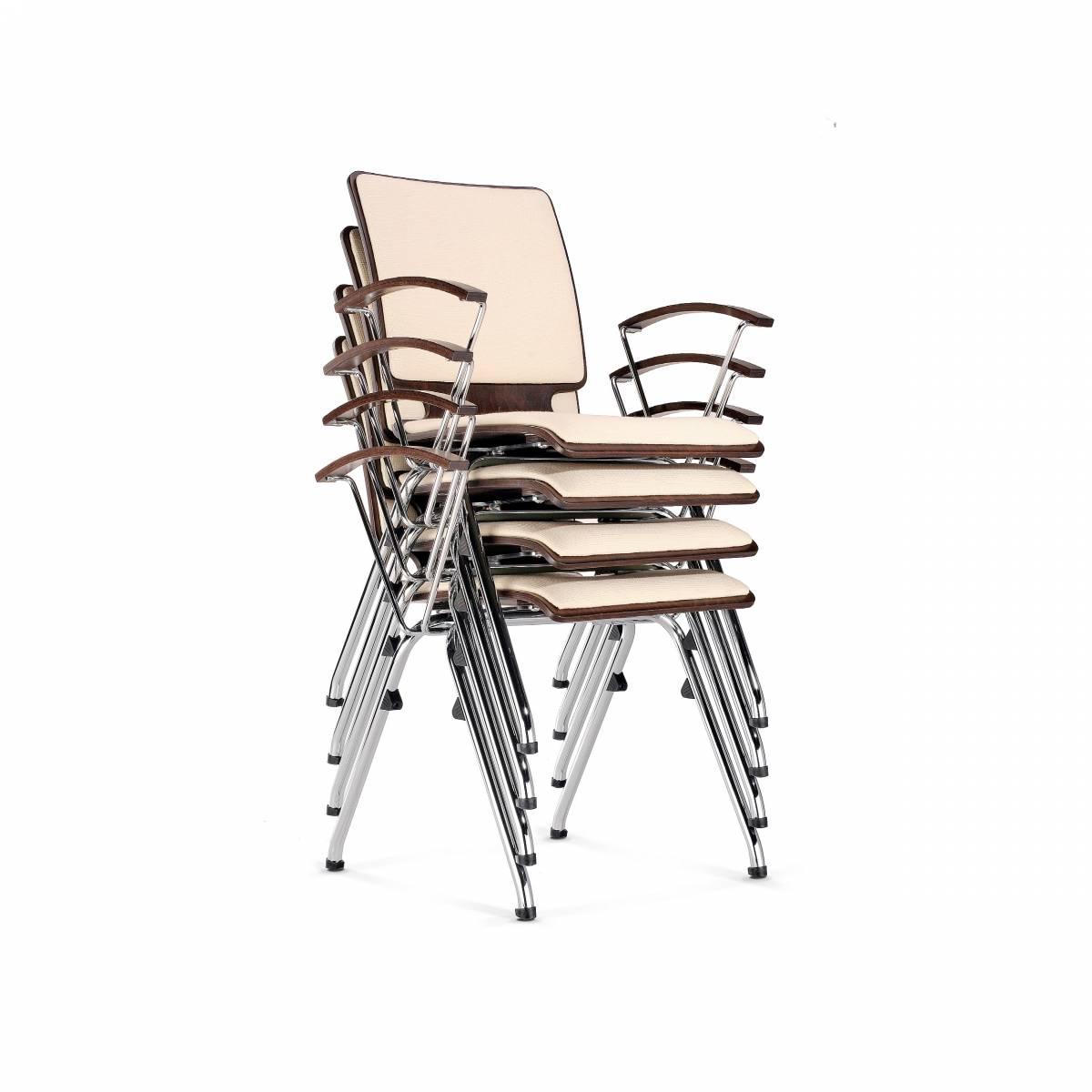 Chaise AXO avec accoudoirs et placets d'assise et de dossier empilables sur Aix en Provence