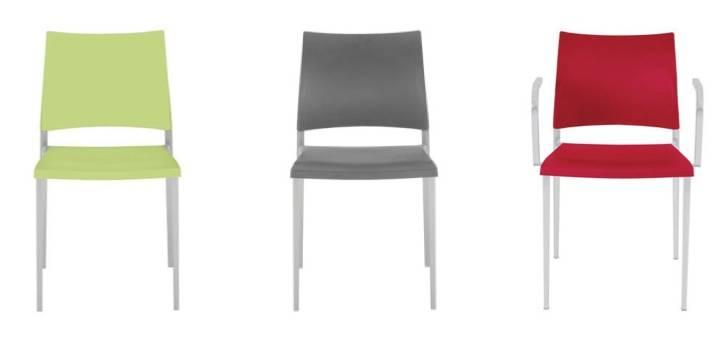 chaises aux piétements divers avec ou sans accoudoirs pour espace détente ou repas