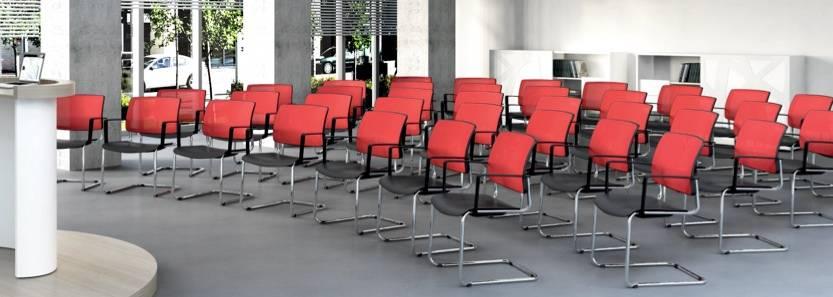 Chaises de réunion avec ou sans accoudoirs piétement luge ou 4 pieds droits