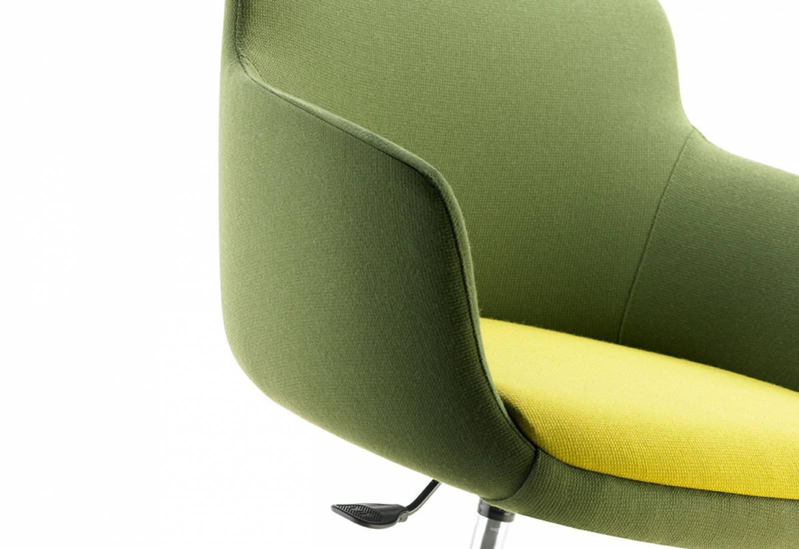 Coque large et confortable du fauteuil ENEKA sur Vitrolles