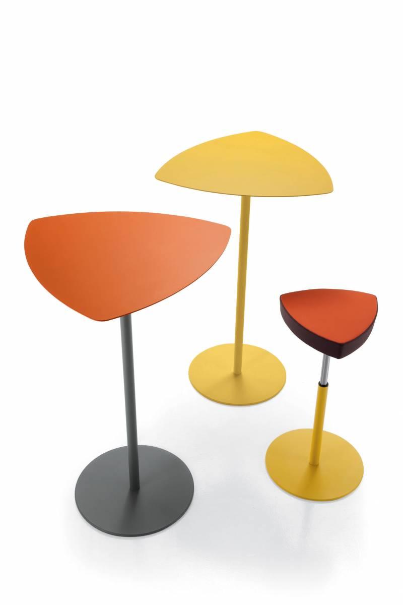 2 tables hautes ou mange debout avec tabouret réglable gamme KENSHO sur Marseille