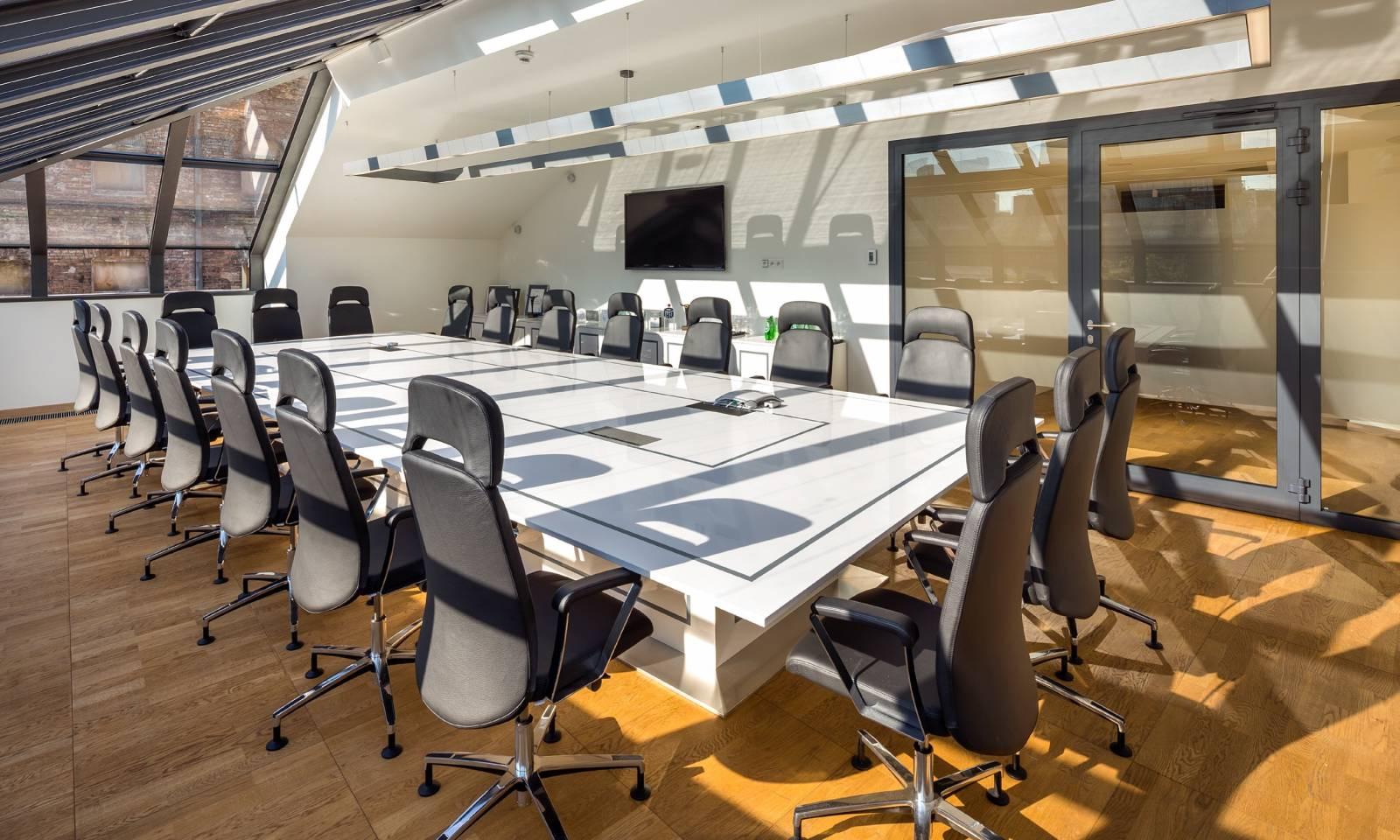 Ensemble de fauteuil de direction haut de gamme BELIVE pour une salle de conférence sur Vitrolles