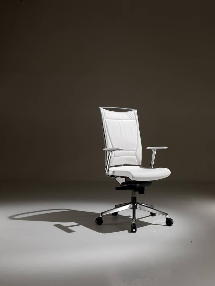 Modèle de fauteuil de travail KORIUM PLUS dossier rembourré sur Aubagne
