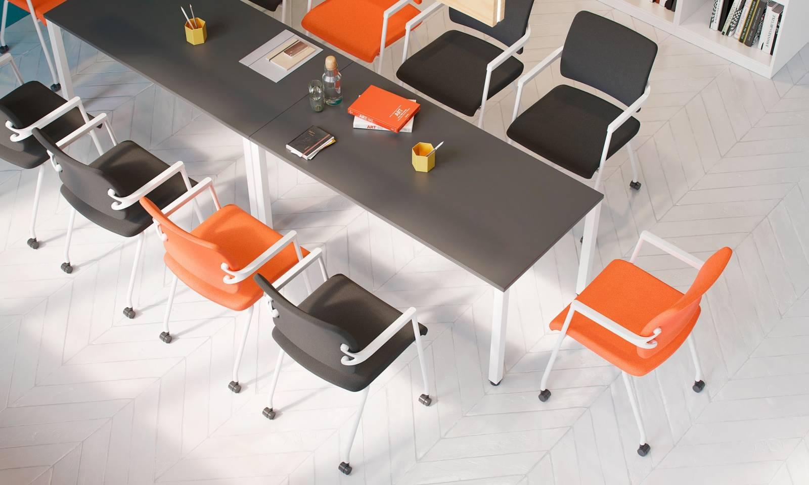 Salle de réunion avec chaise sur roulette 2ME avec table EASY SPACE sur Marseille