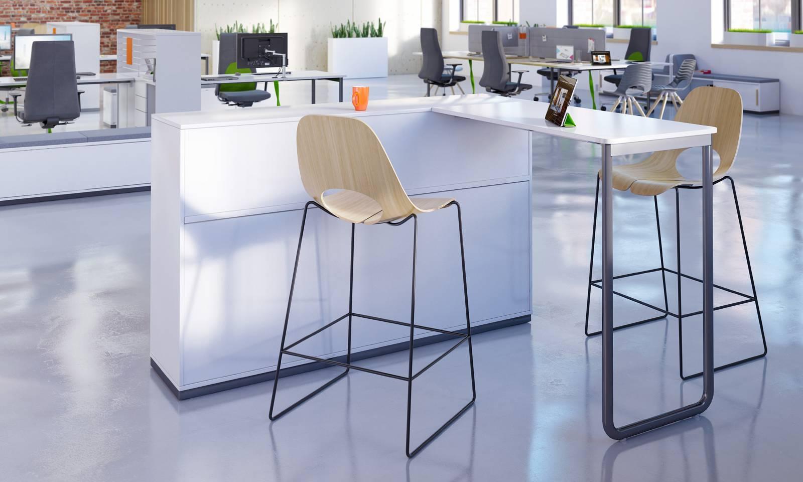 Table d'appoint avec Tabourets hauts entièrement tapissés, pied cadre noir