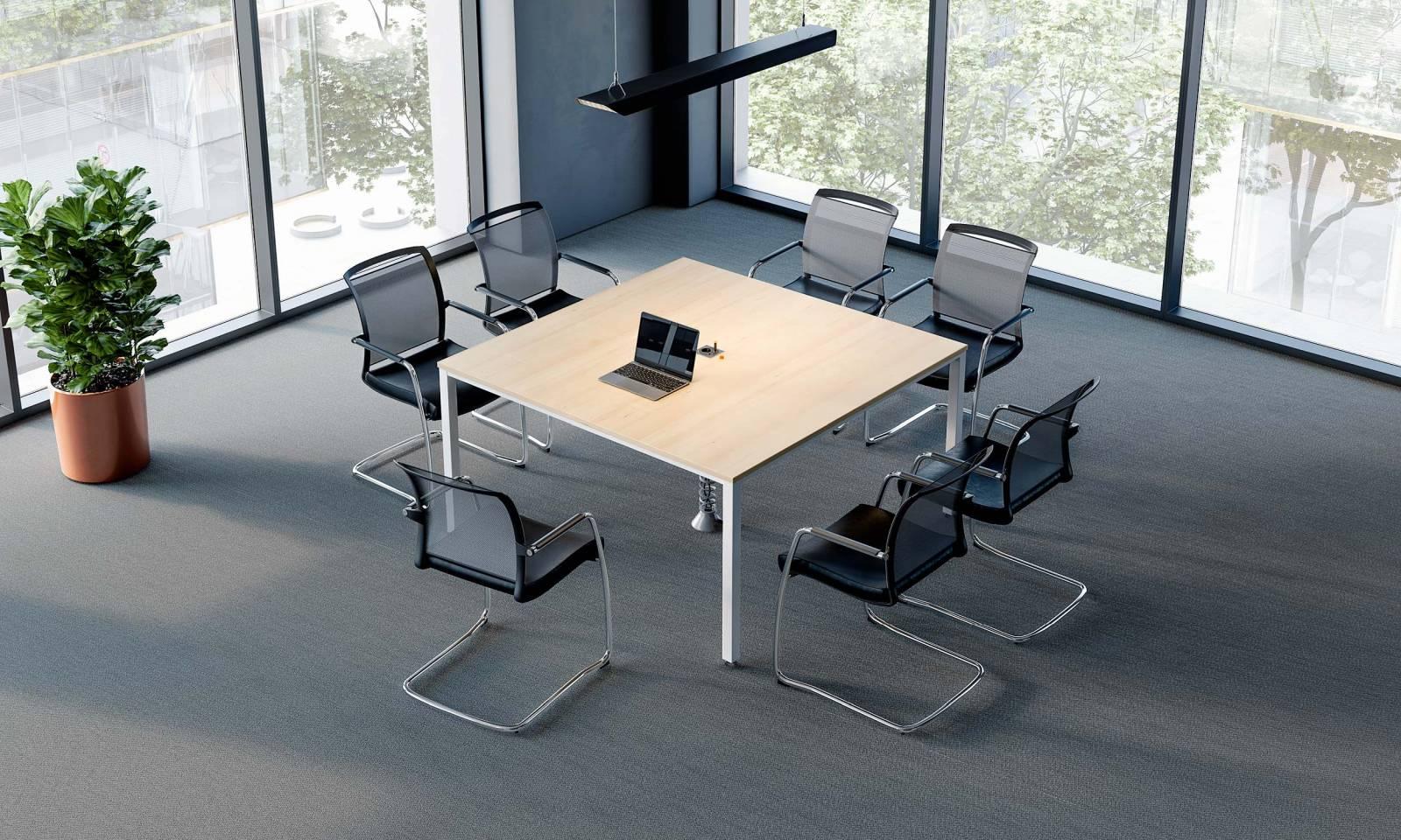 Table de réunion carrée pour 8 personnes sur Marseille