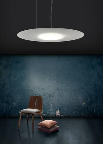 Ambiance feutrée avec ce beau panneau acoustique suspendu avec LED sur Vitrolles